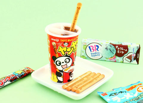 Meiji Panda Yan Yan Biscuit Sticks